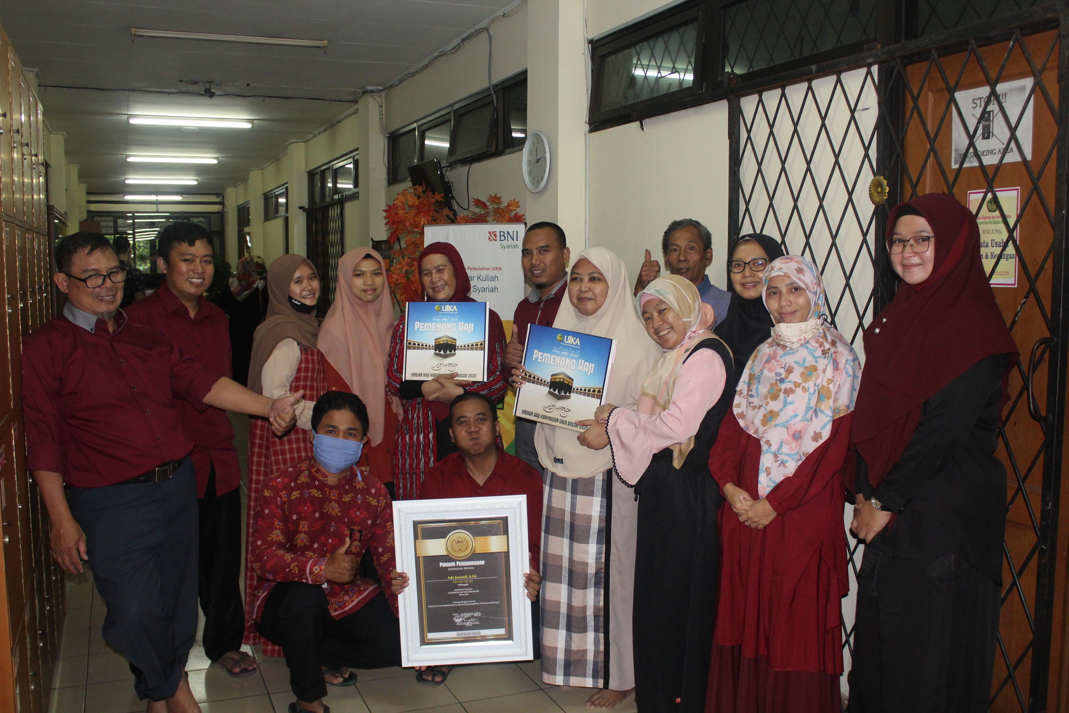 FKIP  Meraih Predikat Dosen, Karyawan & Mahasiswa Teladan Serta 1 Pemenang Haji 1442 H UIKA Bogor